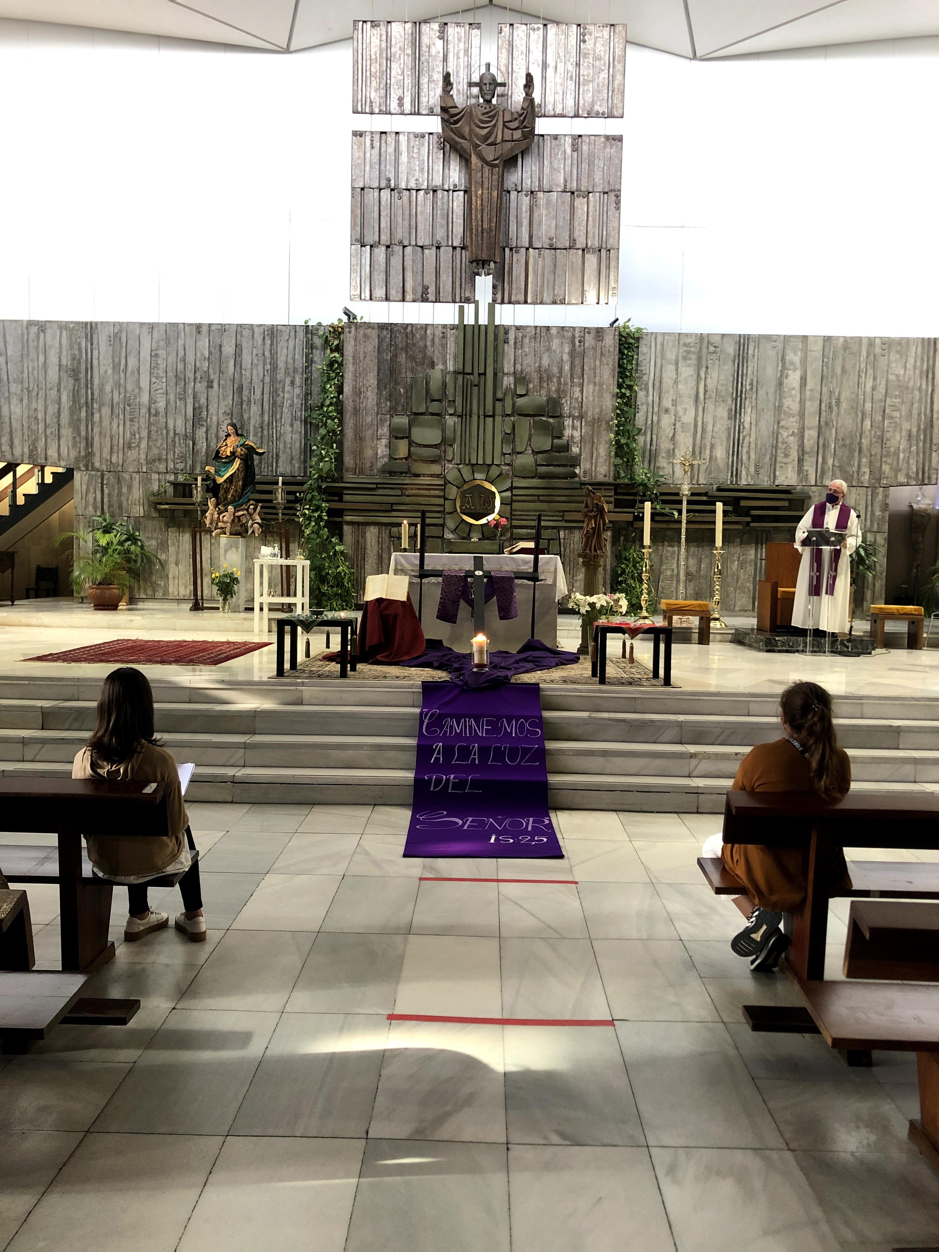 via crucis altar
