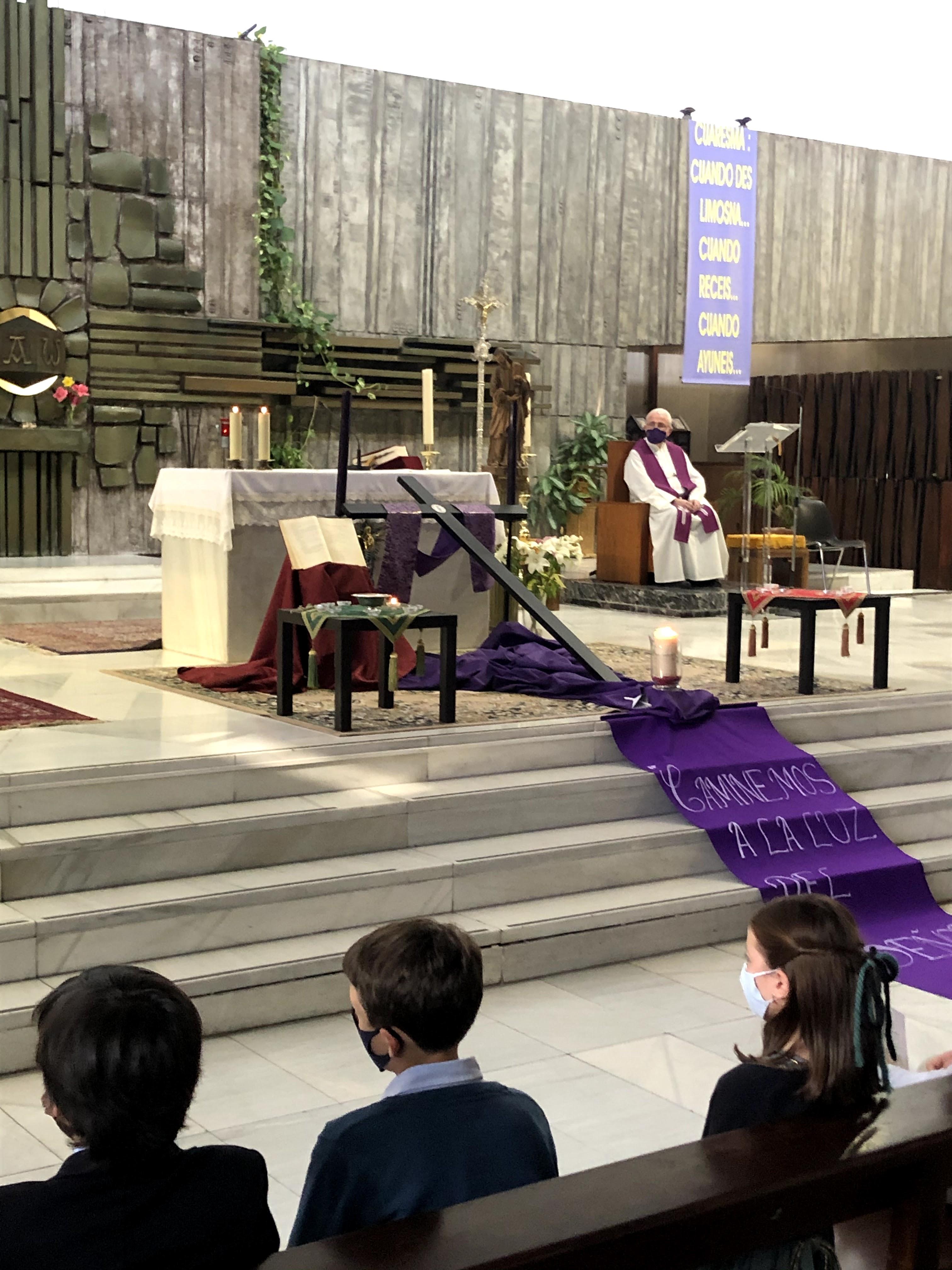 via crucis altar lateral